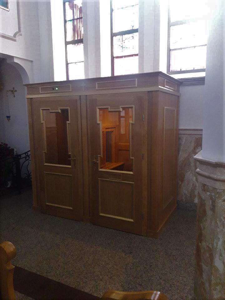 Konfesjonał w kościele św. Anny w Długiej Kościelnej